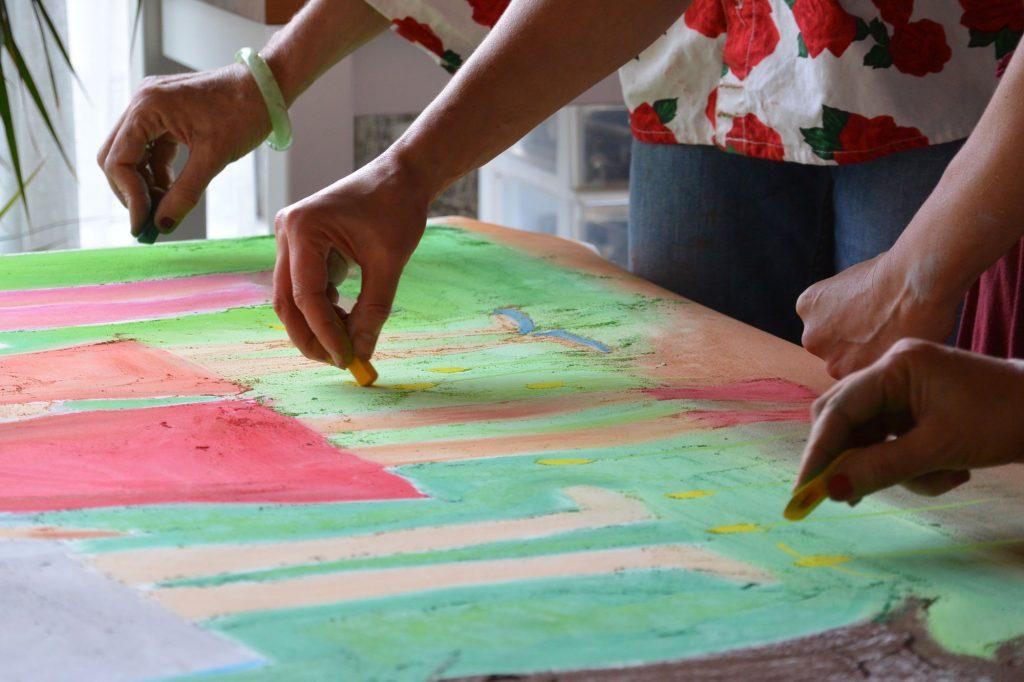 Atelier d'art thérapie co-créative avec des adultes